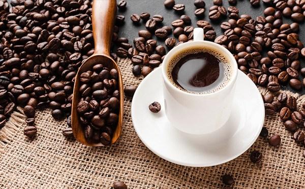 Cố chứng minh uống cà phê nhiều sẽ rút ngắn tuổi thọ, vị vua trẻ nhận thất bại thảm hại - 5